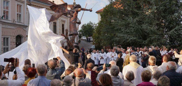 Szt. Mihály szobrának avatása – (Óváros tér 2017.09.29)