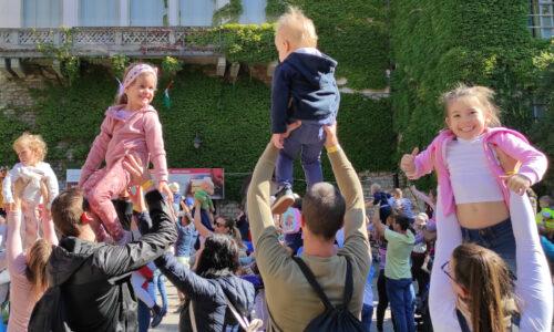 Gyereket a magasba rendezvény